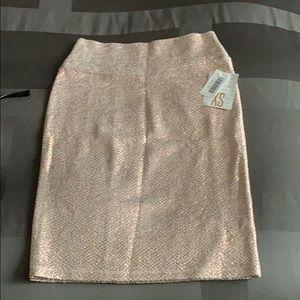 NWT xc Cassie elegant collection